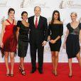 Sandra Lou, Alessandra Sublet, Prince Albert, Karine Ferri et Sidonie Bonnec lors du 49ème Festival de télévision de Monte-Carlo