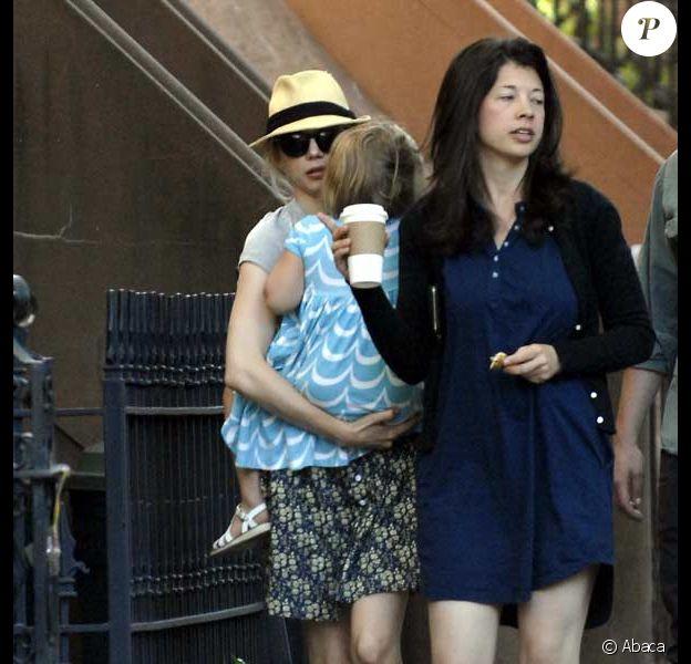 Michelle Williams et sa fille Matilda se promènent à New York