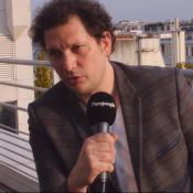 """Éric Antoine : Loin de ses proches, """"il y a forcément une souffrance"""""""