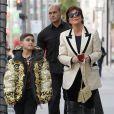 Kris Jenner et son petit-fils Mason Disick (fils de Kourtney Kardashian et Scott Disick) font du shopping à Beverly Hills, le 18 décembre 2018.
