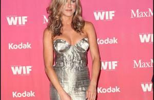 Jennifer Aniston très courte et Jenny McCarthy décolletée... les stars hollywoodiennes tellement glamour !