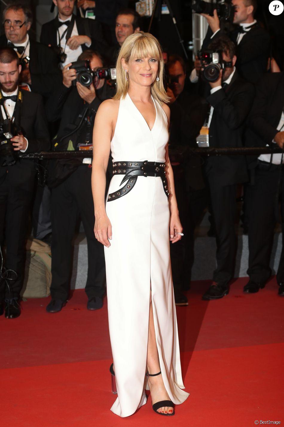 """Marina Foïs - Montée des marches du film """"Happy End"""" lors du 70ème Festival International du Film de Cannes. Le 22 mai 2017. © Borde-Jacovides-Moreau / Bestimage"""