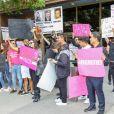 Les manifestants du mouvement FreeBritney se rassemblent devant la salle d'audience de Britney Spears pour demander la fin de la mise sous tutelle de la chanteuse à Los Angeles, le 10 mai 2019.