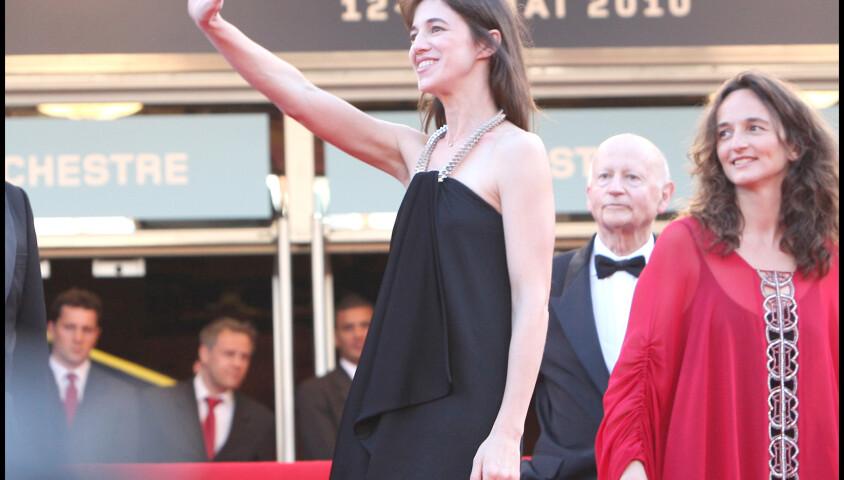 Charlotte Gainsbourg - Montée des marches de la soirée de clôture du Festival de Cannes 2010Montée des marches de la soirée de clôture du Festival de Cannes 2010