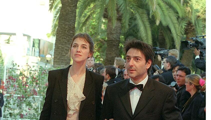 Charlotte Gainsbourg et Yvan Attal lors de la montée des marches du Festival de Cannes 2001