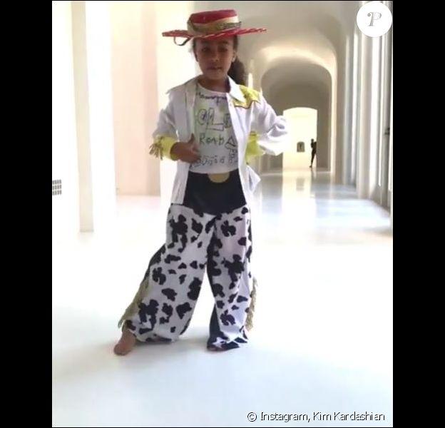 """North West, 5 ans, réalise son premier clip de musique sur la chanson """"Old Town Road"""" de Lil Nas X."""