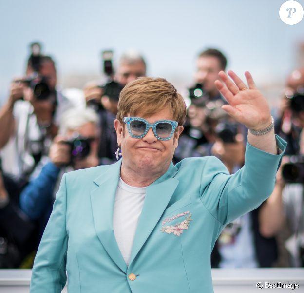 Elton John lors du photocall du film Rocketman (Hors compétition) lors du 72ème Festival International du film de Cannes. Le 16 mai 2019 © Jacovides-Moreau / Bestimage
