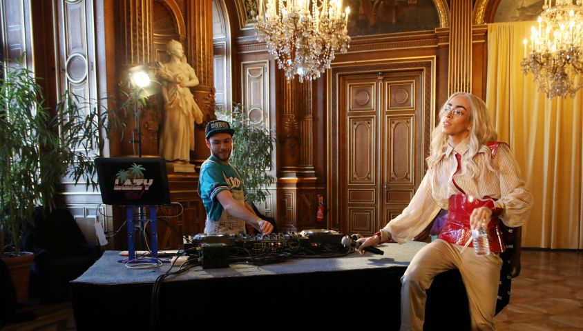 Exclusif - Bilal Hassani dévoile son album en exclusivité à ses fans à l'Hôtel de Ville de Paris, France, le 24 avril 2019. © Denis Guignebourg/Bestimage