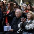 Eric Berchot, pianiste et Aida Aznavour, soeur de Charles Aznavour au dévoilement d'une plaque en hommage à Charles Aznavour. La mairie de Paris dévoile une plaque en l'honneur de Charles Aznavour au 36 rue Monsieur le Prince (6e), où l'artiste a grandi. Paris le 21 Mai 2019. Stéphane Lemouton / Bestimage