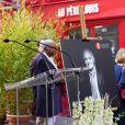 Dévoilement d'une plaque en hommage à Charles Aznavour. La mairie de Paris dévoile une plaque en l'honneur de Charles Aznavour au 36 rue Monsieur le Prince (6e), où l'artiste a grandi. Paris le 21 Mai 2019