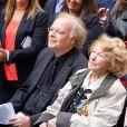 Aida Aznavour, soeur de Charles Aznavour et Eric Berchot, pianiste au dévoilement d'une plaque en hommage à Charles Aznavour. La mairie de Paris dévoile une plaque en l'honneur de Charles Aznavour au 36 rue Monsieur le Prince (6e), où l'artiste a grandi. Paris le 21 Mai 2019