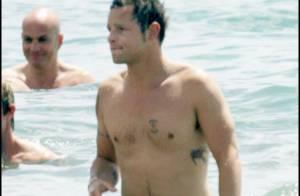 Justin Chambers, le séduisant Karev, de Grey's Anatomy, profite de sa femme sous un radieux soleil !