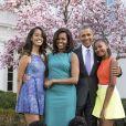 La famille Obama au complet dans le jardin de la Maison Blanche.
