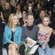 "Vanessa Paradis, Jean-Paul Goude et Lily-Rose Depp au défilé de mode ""Chanel"", collection prêt-à-porter printemps-été 2016, au Grand Palais à Paris. Le 6 octobre 2015"