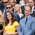 Le prince William, duc de Cambridge, Catherine (Kate) Middleton, duchesse de Cambridge, Theresa May (premier Ministre du Royaume-Uni) et son mari Phillip dans les tribunes de Wimbledon, le 15 juillet 2018. © Ray Tang via Zuma Press/Bestimage