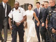 Cardi B toute nue et menottée à la sortie d'un tribunal, la photo osée...