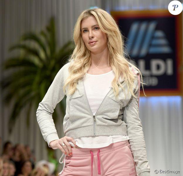 Ireland Baldwin a participé au défilé de la nouvelle collection de vêtements de plage pour femmes Aldi Süd au Musée Haus der Kuns à Munich, le 28 mai 2019.