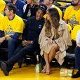 Jay-Z et Beyoncé assistent au troisième match de la finale de NBA opposant Golden State Warriors aux Toronto Raptors à l'Oracle Arena. Oakland, le 5 juin 2019.