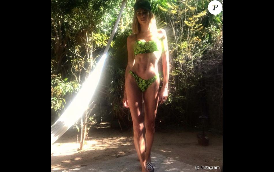 Alexandra Rosenfeld divine en bikini, un cliché publié en juin 2019.