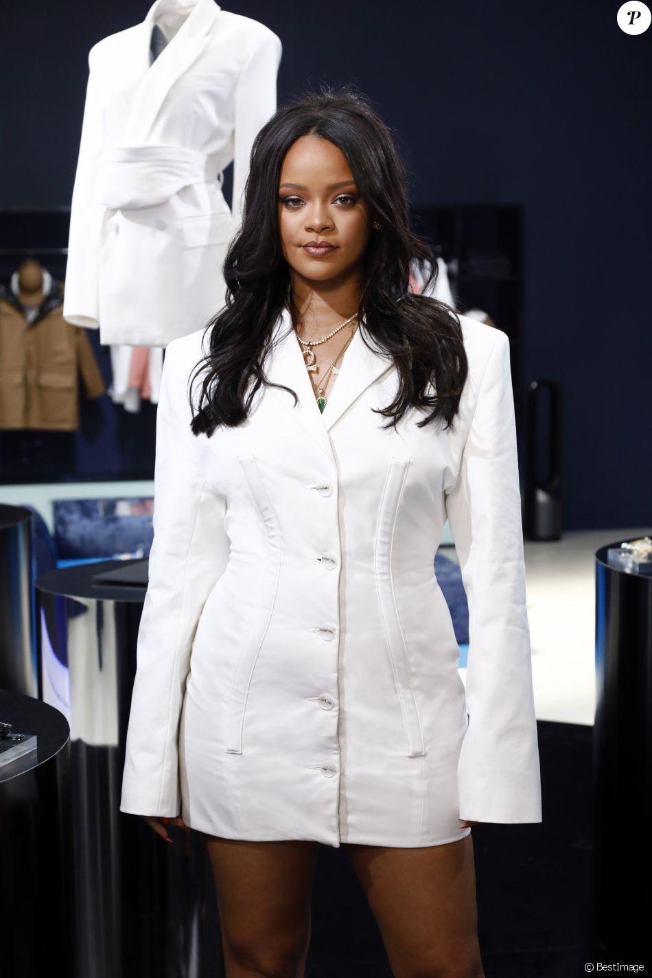 Rihanna lors du lancement de la première collection Fenty de Rihanna en partenariat avec LVMH au 10 rue de Turenne à Paris, France, le 22 mai 2019. © Julien Hekimian pour LVMH Fenty via Bestimage