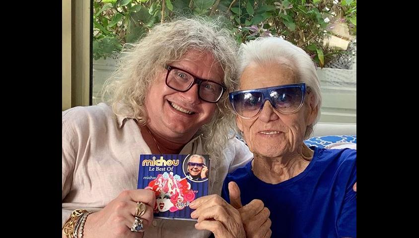 Michou et Pierre-Jean Chalençon chez Michou à Paris. Le 2 juin 2019.