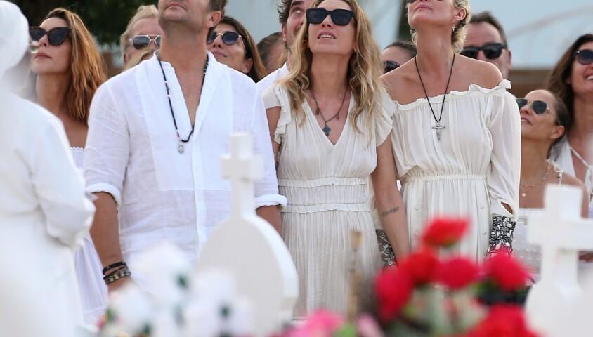 Laeticia Hallyday, Laura Smet et David Hallyday lors des obsèques de Johnny Hallyday au cimetière de Lorient à Saint-Barthélemy, le 11 décembre 2017.