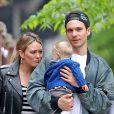Exclusif - Hilary Duff se balade avec son compagnon Matthew Koma et sa fille Banks Violet Bair dans les rues de New York, le 14 mai 2019.