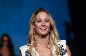 Ilona Smet : Sublime naïade en bikini, se