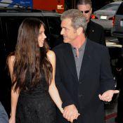 Mel Gibson : sa girlfriend, enceinte et sexy, vous dévoile... son nouveau clip ! Regardez !