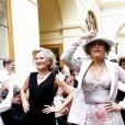 """Viktor Lazlo - Défilé """"Over Fifty... et alors !"""" à la galerie Vivienne à Paris le 17 Juin 2019. C'est sous les ors de la galerie Vivienne que la styliste Nathalie Garçon, initiatrice de l'association """"Over fifty...et alors"""", a organisé un défilé de mode afin de faire évoluer la visibilité et le regard porté sur les femmes de plus de cinquante ans. © Dominique Jacovides/Bestimage"""