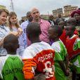La reine Mathilde de Belgique et sa fille la princesse héritière Elisabeth ont visité l'Académie de football de l'Akakoro le 26 juin 2019 dans le cadre d'une mission humanitaire sous l'égide d'UNICEF Belgique, dont l'épouse du roi Philippe est la présidente d'honneur.