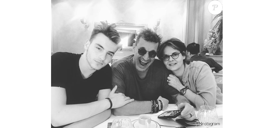 Simon Castaldi et ses parents Benjamin Castaldi et Valérie Sapienza, le 5 juillet 2019.