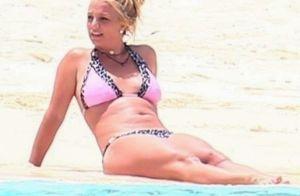 Britney Spears : Vacances en bikini, bronzage et poirier sur la plage