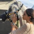 Nabilla, enceinte de son premier enfant, affiche un joli baby bump à Monaco et Menton, en juin 2019 sur Instagram.