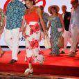 """Marie Chevallier, la future épouse de Louis Ducruet, Camille Gottlieb, Louis Ducruet, le prince Albert II de Monaco et la princesse Stéphanie  - Traditionnelle soirée au profit de Fight Aids Monaco, dans la salle des Etoiles du Sporting à Monaco le 13 juillet 2019. Cette année, l'association de la princesse Stéphanie de Monaco, fête ses 15 ans. C'est le célèbre groupe américain The Beach Boys, tout droit venu de Californie, qui assure le Show au profit de l'association. Les membres de la famille princière, le prince Albert II de Monaco en tête, ainsi que l'ensemble du public, n'ont pas hésité à se mettre en mode """"Beach Boys"""". © Bruno Bebert/Bestimage"""