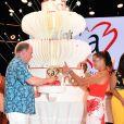 """Le prince Albert II de Monaco et la princesse Stéphanie  - Traditionnelle soirée au profit de Fight Aids Monaco, dans la salle des Etoiles du Sporting à Monaco le 13 juillet 2019. Cette année, l'association de la princesse Stéphanie de Monaco, fête ses 15 ans. C'est le célèbre groupe américain The Beach Boys, tout droit venu de Californie, qui assure le Show au profit de l'association. Les membres de la famille princière, le prince Albert II de Monaco en tête, ainsi que l'ensemble du public, n'ont pas hésité à se mettre en mode """"Beach Boys"""". © Bruno Bebert/Bestimage"""