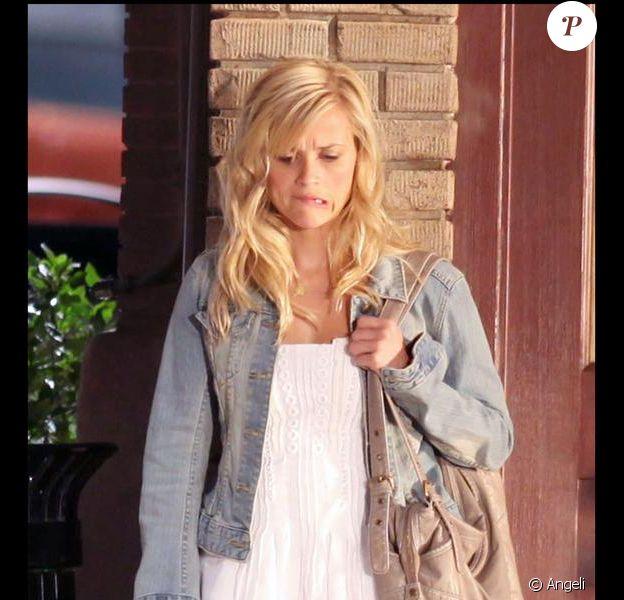Reese Witherspoon sur le tournage de How do you do ? à Washington le 25 juin 2009