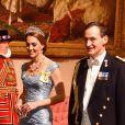 Kate Middleton en robe Alexander McQueen, à un banquet d'Etat au palais de Buckingham de Londres, le 23 octobre 2018.