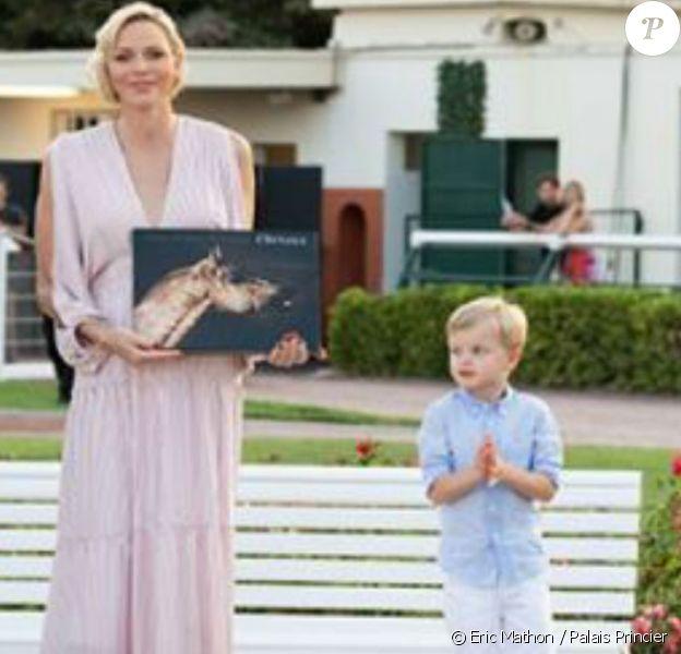 """Charlene de Monaco a assisté à la course de trot """"Prix Princesse Charlène de Monaco - Charity Race"""", le 19 juillet 2019 à l'Hippodrome de Cagnes-sur-Mer, avec son fils Jacques de Monaco et son frère Gareth Wittstock."""