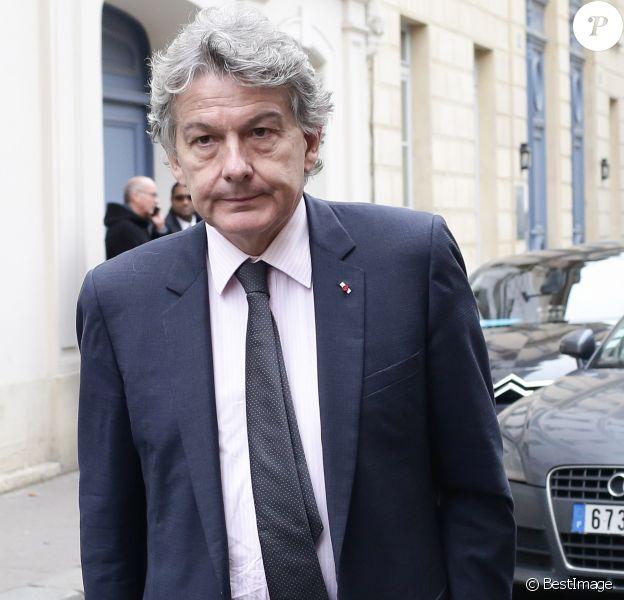 Thierry Breton - Le candidat à al primaires de la droite et du centre François Fillon rencontre des parlementaires à la Maison de la Chimie à Paris, le 22 novembre 2016, entre les 2 tours des élections.