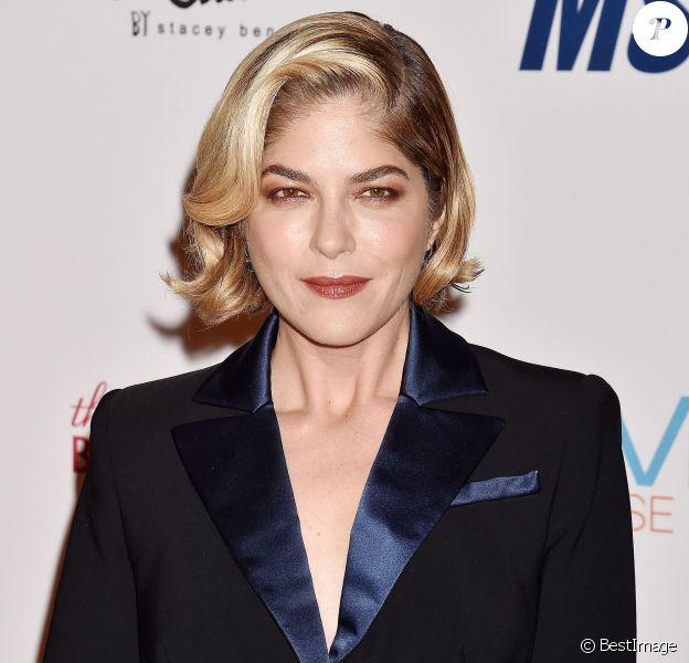 Selma Blair lors du photocall de la 26ème soirée Race To Erase MS à l'hôtel Beverly Hilton dans le quartier de Beverly Hills, à Los Angeles, Californie, Etats-Unis, le 10 mai 2019.