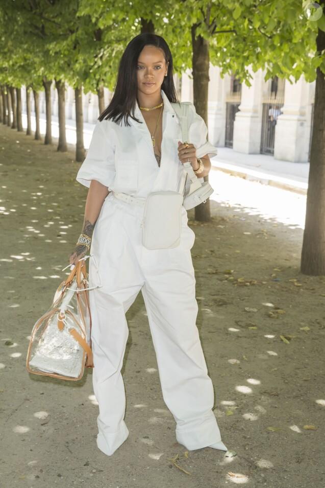 """Rihanna - Arrivées au défilé de mode Homme printemps-été 2019 """"Louis Vuitton"""" à Paris. Le 21 juin 2018 © Olivier Borde / Bestimage"""