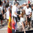Le roi Felipe VI d'Espagne était accompagné par sa femme la reine Letizia et leurs filles Leonor et Sofia le 1er août 2019 au Club nautique royal de Palma de Majorque pour son premier jour de compétition lors de la 38e Copa del Rey.