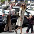 Sarah-Jessica Parker et son époux Matthew Broderick à New York. Les paquets... c'est monsieur qui s'en charge !