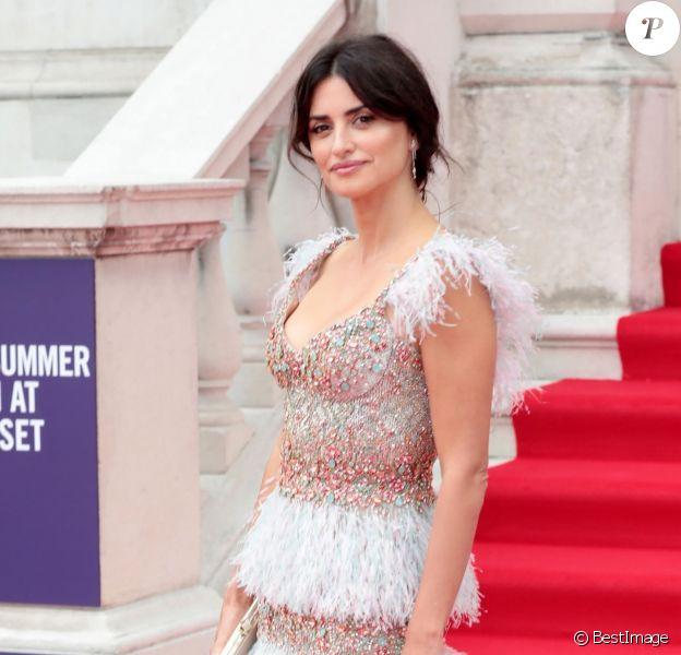 """Penélope Cruz à la projection du film """"Pain And Glory"""", en ouverture des séances de cinéma en plein air avec Film4 Summer Screen à la Somerset House. Londres, le 8 août 2019."""