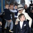 En novembre 2008, sortie avec leurs amis Tom Cruise et Katie Holmes ainsi que la petite Suri. La famille Beckham est au complet et carrément... lookée !