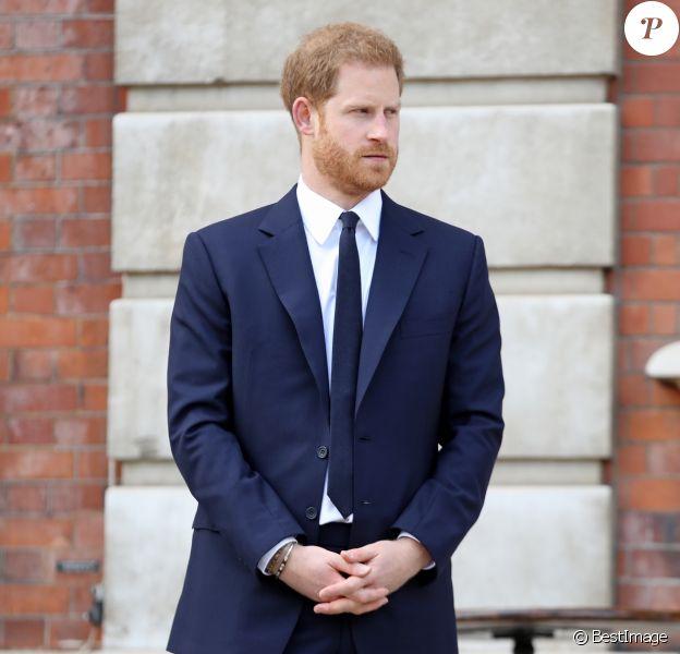 Le prince Harry, duc de Sussex, assiste à une garden party pour les 70 ans du Commonwealth à Marlborough House à Londres le 14 juin 2019.
