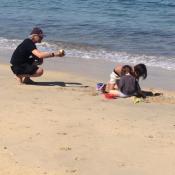 Nicola Sirkis : Rare photo de ses jeunes enfants à la plage