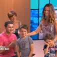 """Olivier du """"Bachelor"""" avec sa famille sur le plateau de """"Ça commence aujourd'hui"""", mardi 27 août 2019, sur France 2"""