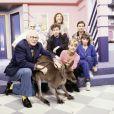 Dorothée, Jacky, Corbier, Ariane et Patrick Simpson-Jones avec le docteur Michel Klein en 1989.